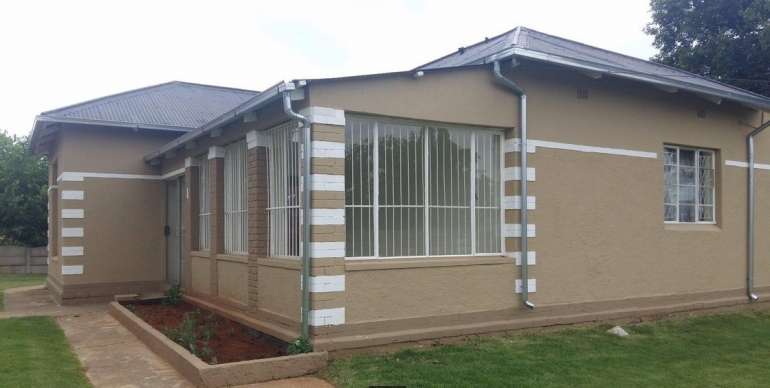 gallery/3 bedroom house for sale in brakpan